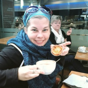Always had coffee and a pastel de nata at my fav coffee shop... love the lady in the background - she is obviously on diet!
