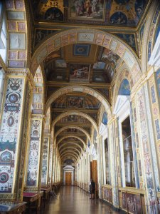 The Grand Hallway, an identical copy of the one in the Vatican Museum